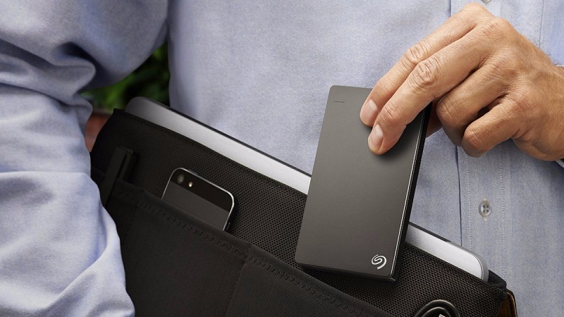 3 Accessories to Keep Your Laptop and Mobile Safe
